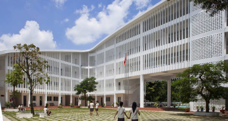 Facades for Modern Educational Institutions for a Blended Learning in India